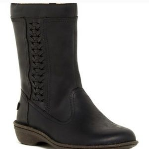 UGG Kaleen Boots., used for sale